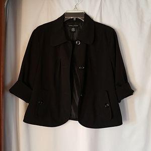 Cropped 3 button blazer